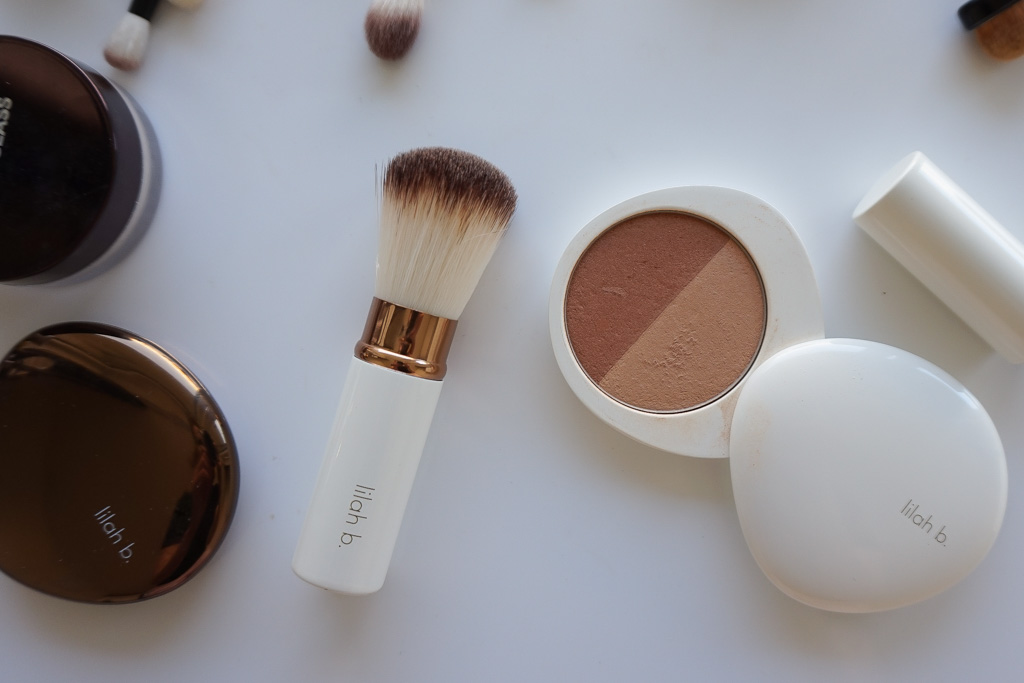 Lilah B Retractable Bronzer Brush recenzia